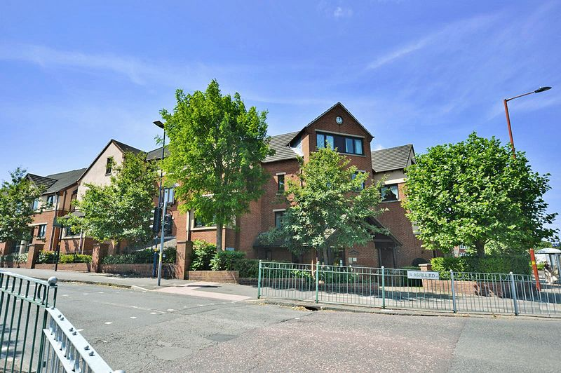 1 Bedroom Property for sale in Beeches Court, Birmingham, B45 9YB