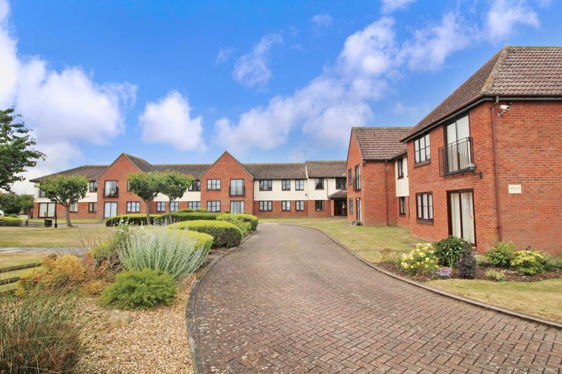 1 Bedroom Property for sale in Priory Park, St. Osyth, CO16 8TE