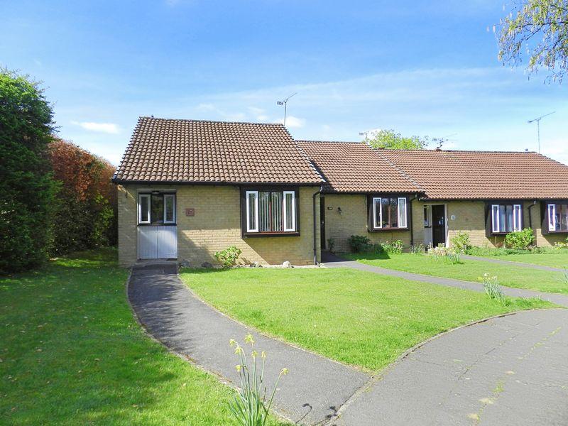 2 Bedrooms Property for sale in Fairmead, Woking, GU21 3JA