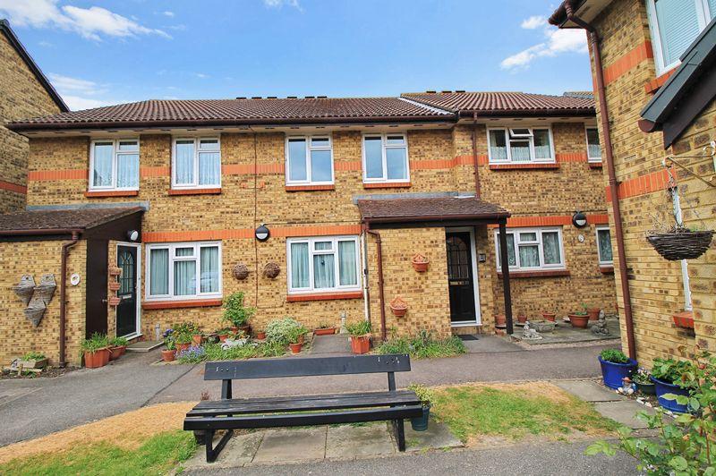 1 Bedroom Property for sale in Riverside Court, London, E4 7UN