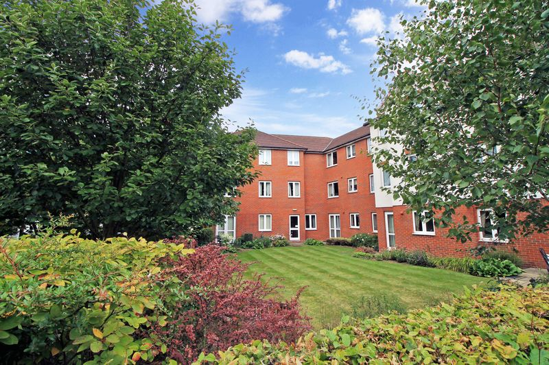 1 Bedroom Property for sale in Myddleton Court, Hornchurch, RM11 1GL