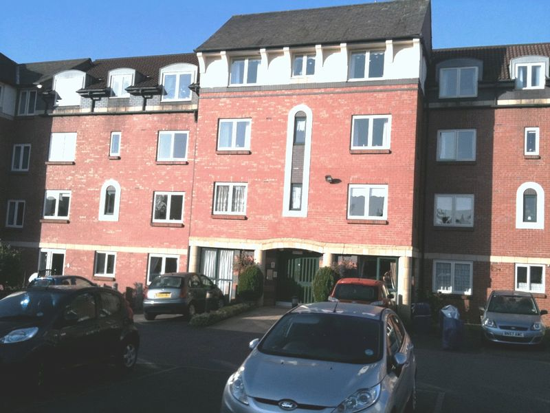 1 Bedroom Property for sale in Kinmond Court, Leamington Spa, CV32 4QU