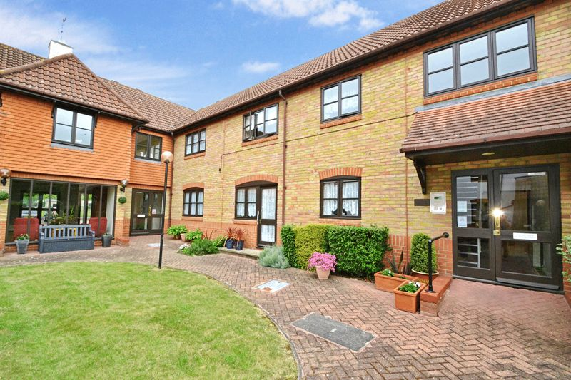 1 Bedroom Property for sale in Roberts Court, Chelmsford, CM2 9RQ