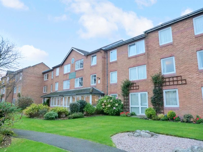 1 Bedroom Property for sale in Homefylde House, Blackpool, FY3 9EN