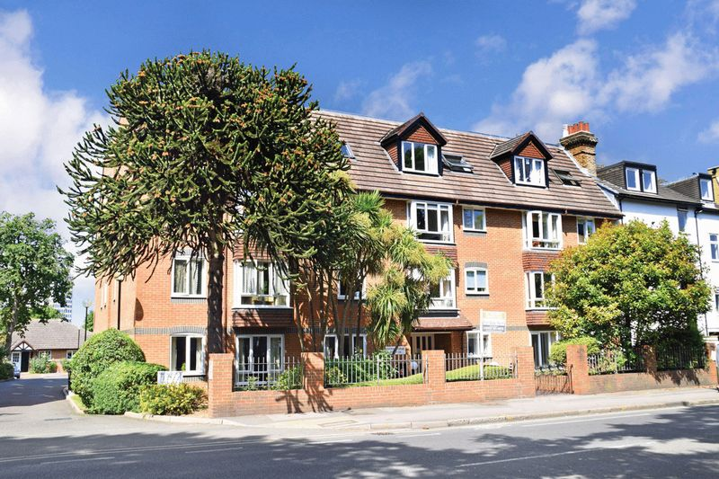 1 Bedroom Property for sale in Kingston Lodge, New Malden, KT3 3PN