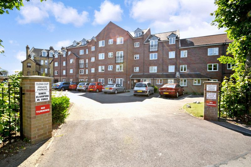 2 Bedrooms Property for sale in Coleman Court, Clacton-on-Sea, CO15 6PY