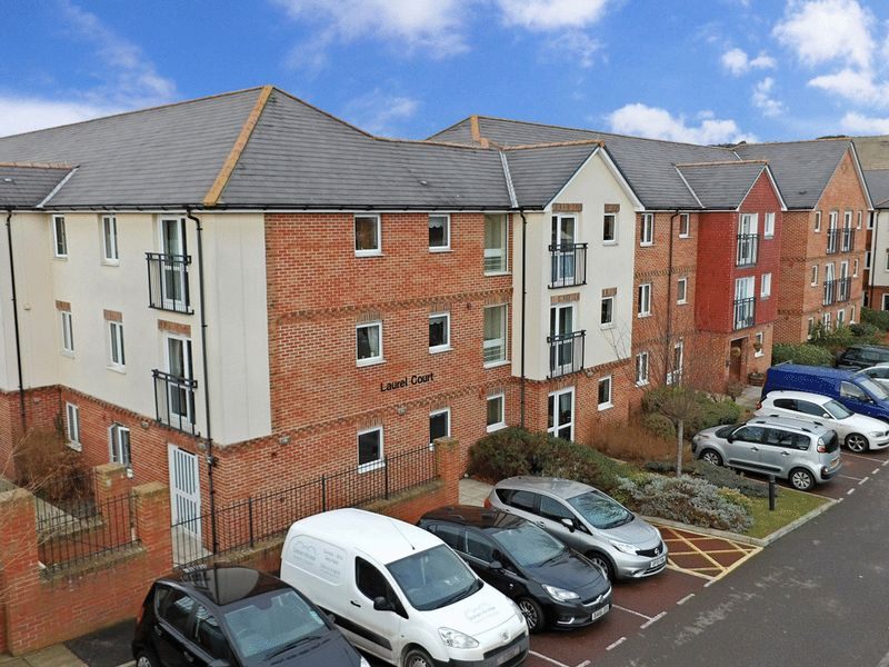 1 Bedroom Property for sale in Laurel Court, Folkestone, CT19 4RL