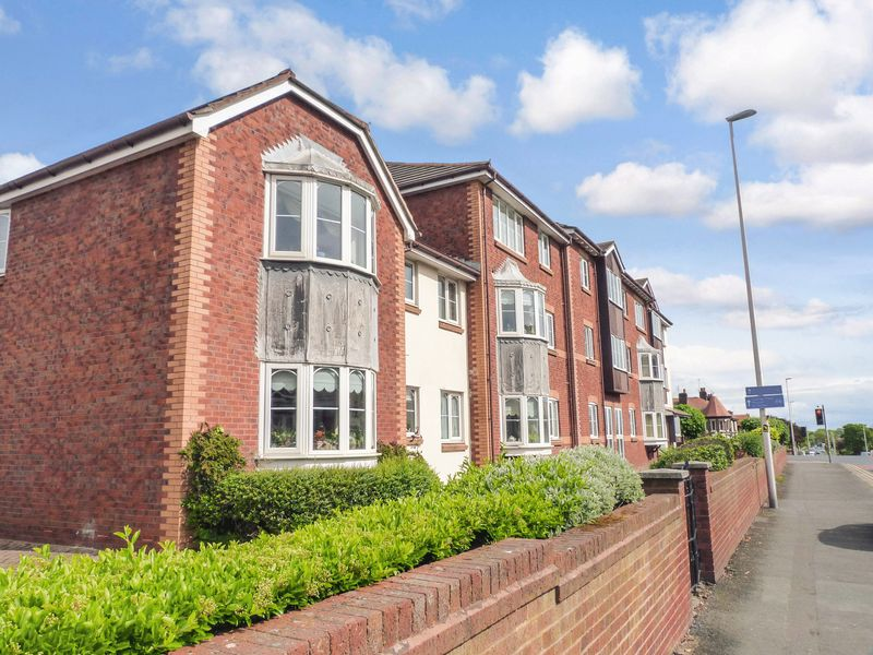 1 Bedroom Property for sale in Grizedale Court, Blackpool, FY3 9AP