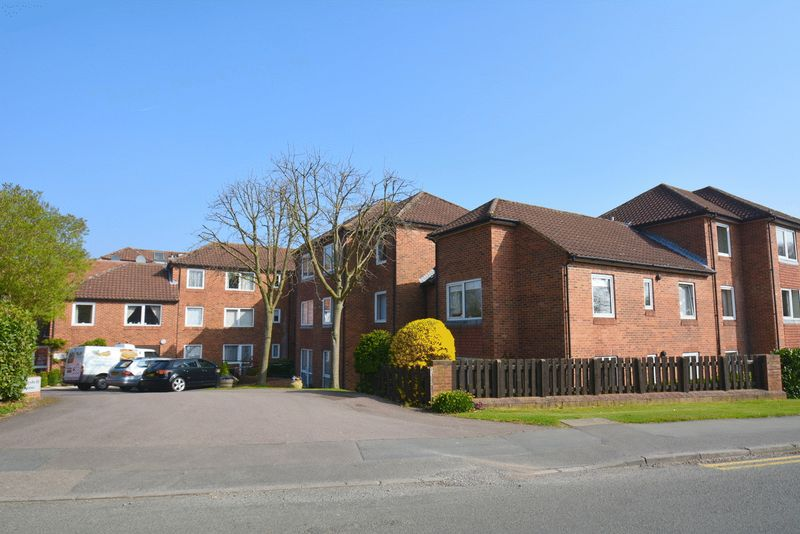 1 Bedroom Property for sale in Homedell House, Harpenden, AL5 3RA
