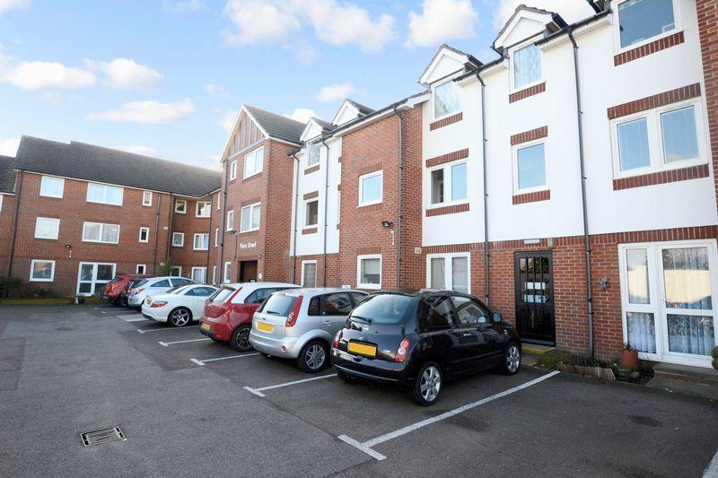 2 Bedrooms Property for sale in Fern Court, Bexleyheath, DA7 4HJ