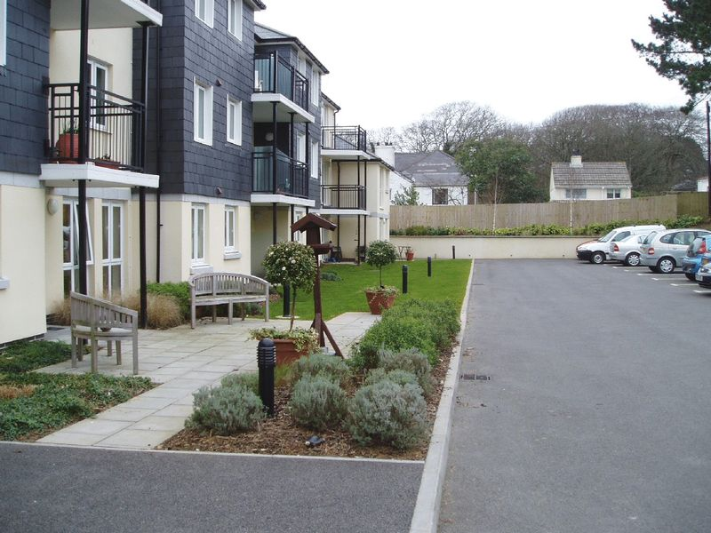 1 Bedroom Property for sale in Carn Brea Court, Camborne, TR14 8LY