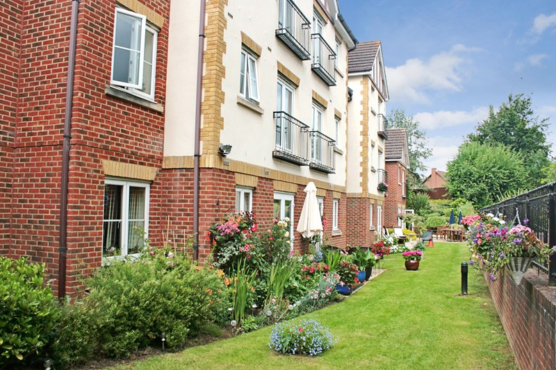 1 Bedroom Property for sale in Calcot Priory, Reading, RG31 7QD