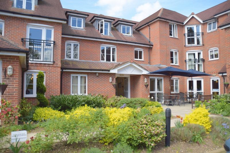 1 Bedroom Property for sale in Barnes Wallis Court, Byfleet, KT14 7HJ