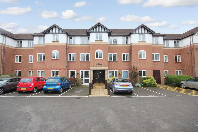 1 Bedroom Property for sale in Royal Court, Sutton Coldfield, B72 1LY