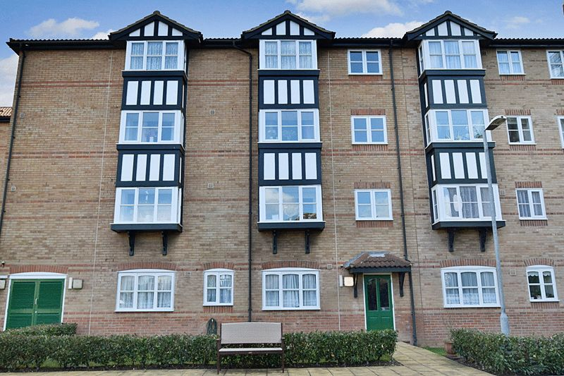 1 Bedroom Property for sale in Gibson Court, Romford, RM1 1AJ
