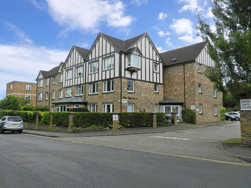 1 Bedroom Property for sale in Parkgate Court, Woking, GU22 7RW