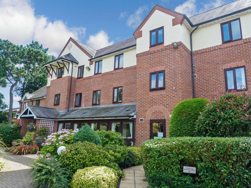 1 Bedroom Property for sale in Cromwell Court, Nantwich, CW5 5NZ