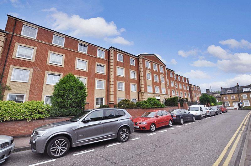 1 Bedroom Property for sale in Hengist Court, Maidstone, ME14 1BT