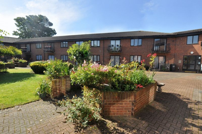 1 Bedroom Property for sale in Chancery Court (Dartford), Dartford, DA1 1SX