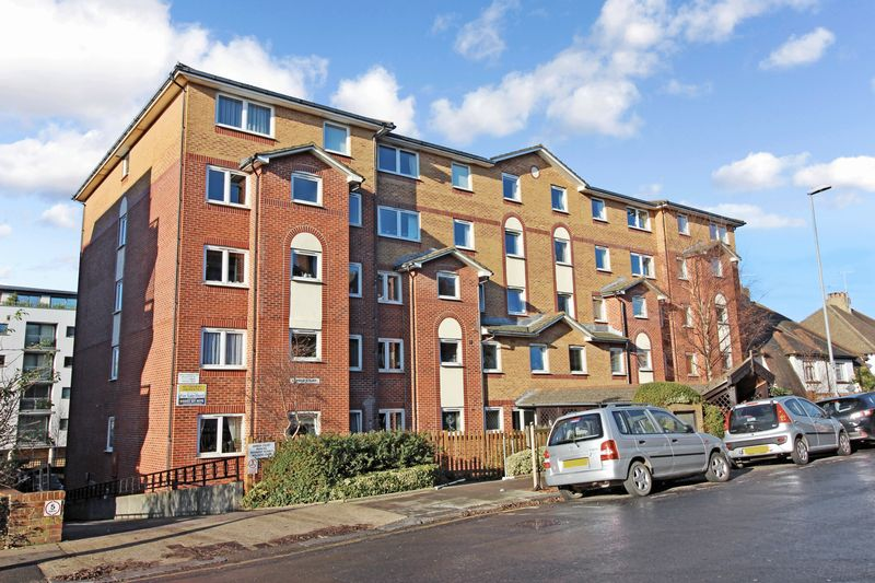 1 Bedroom Property for sale in Amber Court, Hove, BN3 1LU