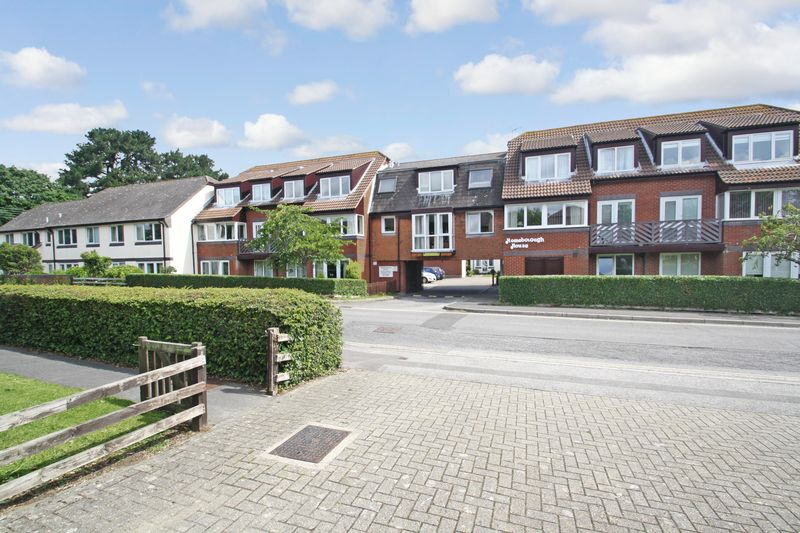1 Bedroom Property for sale in Homeborough House, Hythe, SO45 6EE