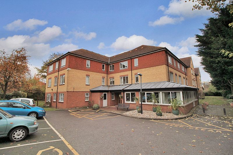 1 Bedroom Property for sale in Westminster Court (Wanstead), Wanstead, E11 2UB