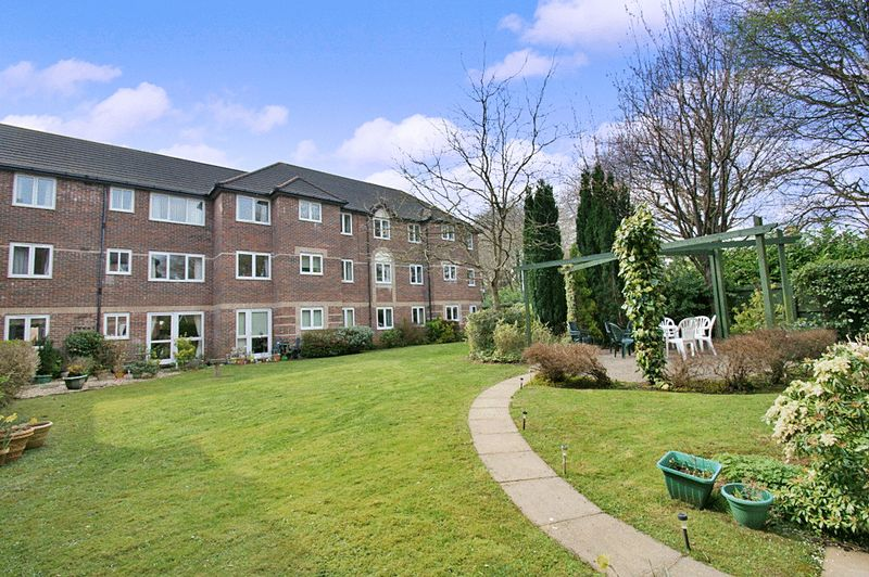 1 Bedroom Property for sale in Glendower Court Phase I, Cardiff, CF14 2TJ