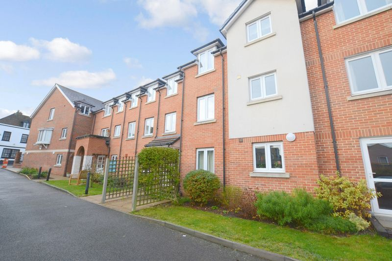 1 Bedroom Property for sale in Appletree Court, Gillingham, ME8 8AZ