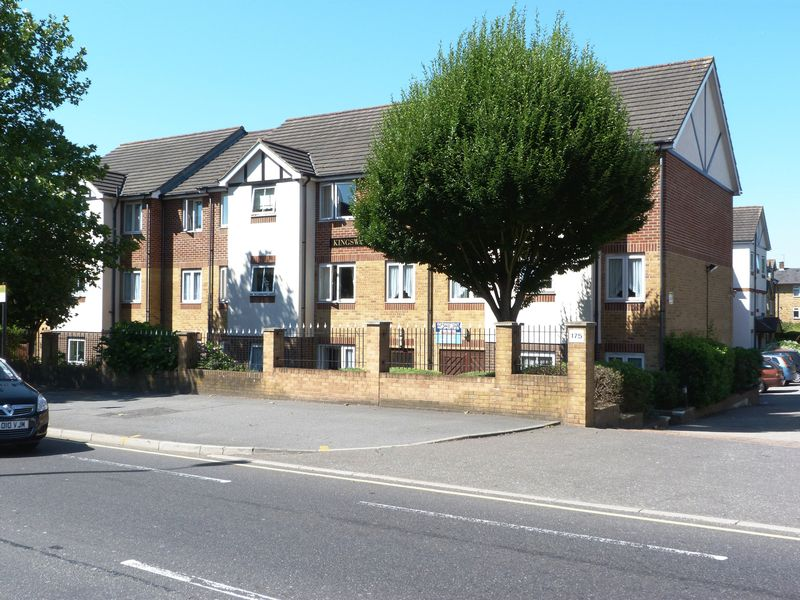 1 Bedroom Property for sale in Kingswood Court, Chingford, E4 8LL