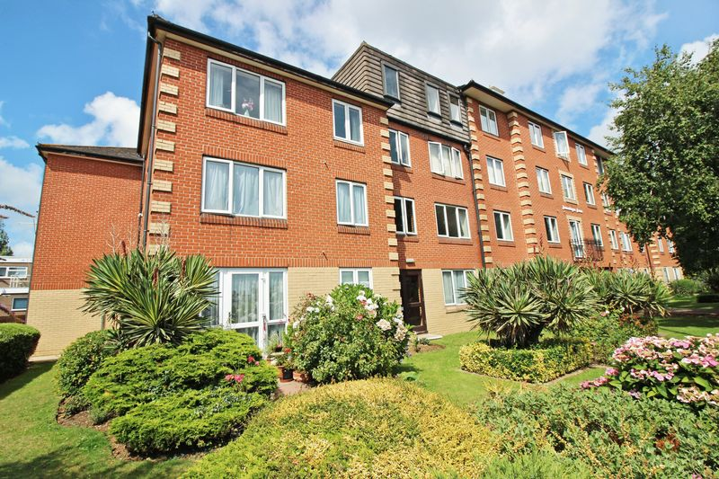1 Bedroom Property for sale in Homesteyne House, Worthing, BN14 8AJ