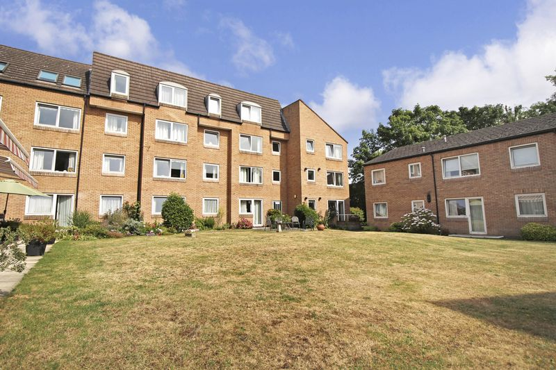 1 Bedroom Property for sale in Homebeech House Phase II, Woking, GU22 7XG