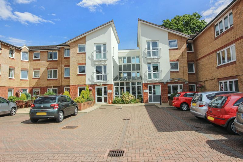 2 Bedrooms Property for sale in Millfield Court, Crawley, RH11 0AB