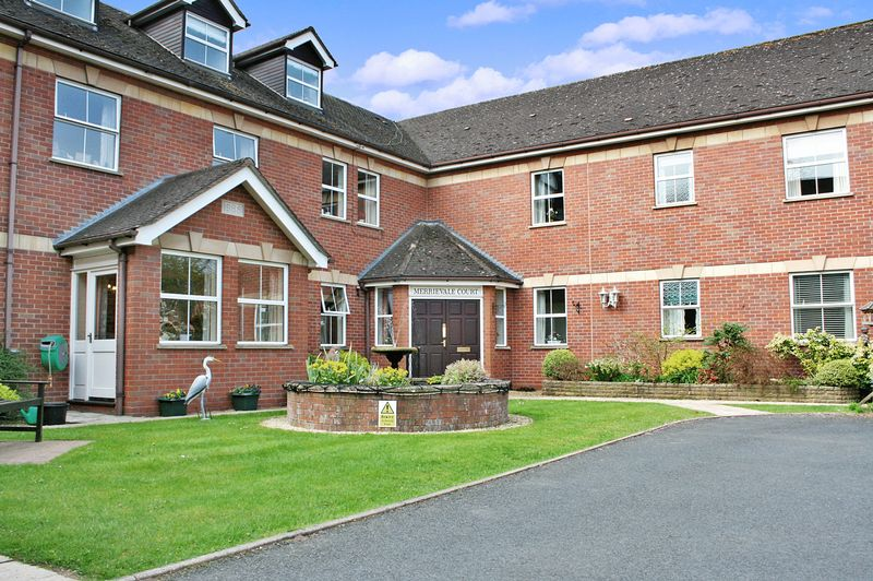 2 Bedrooms Property for sale in Merrievale Court, Malvern, WR14 3NE