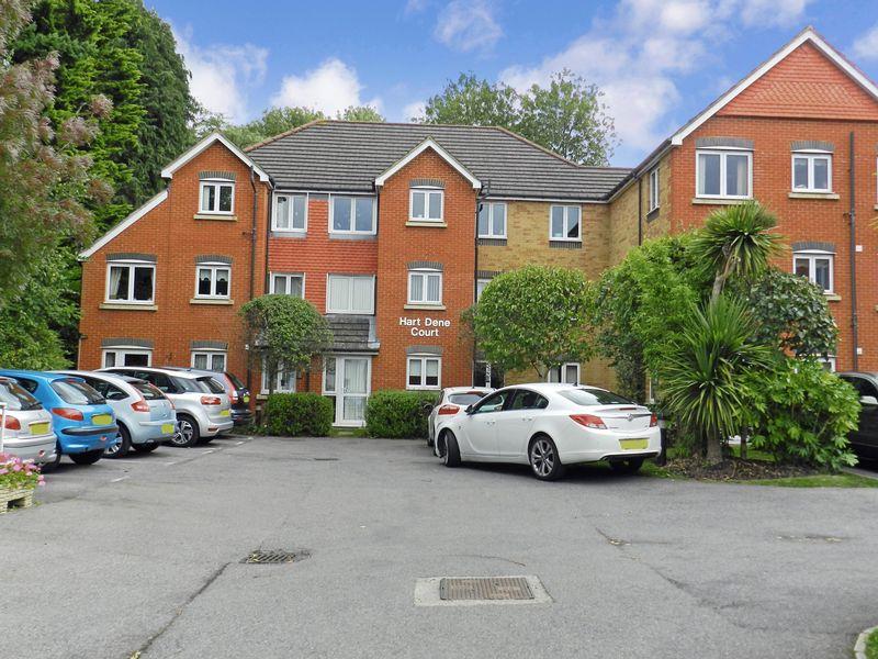 1 Bedroom Property for sale in Hart Dene Court, Bagshot, GU19 5AJ