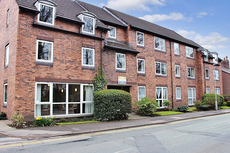 2 Bedrooms Property for sale in Homelyme House, Poynton, SK12 1RL