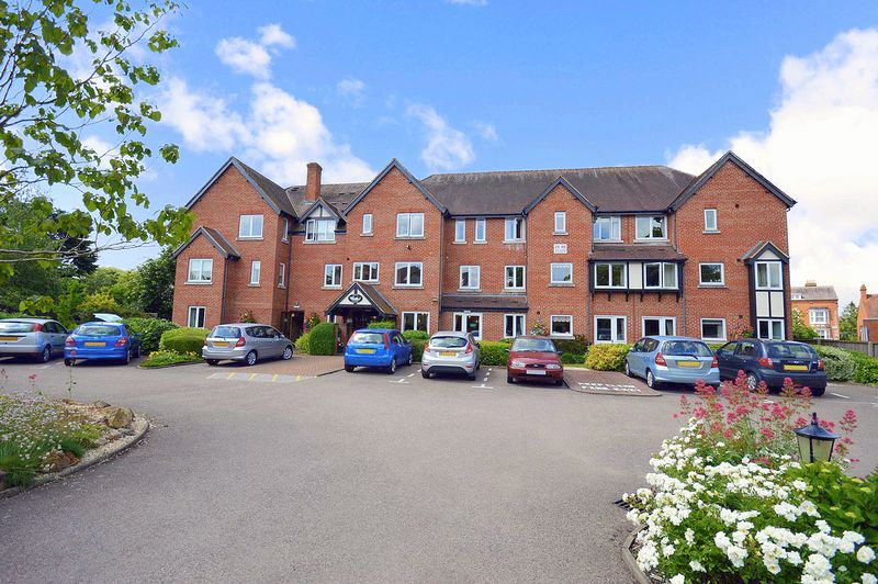 1 Bedroom Property for sale in Swan Court, Stratford-upon-Avon, CV37 7HG