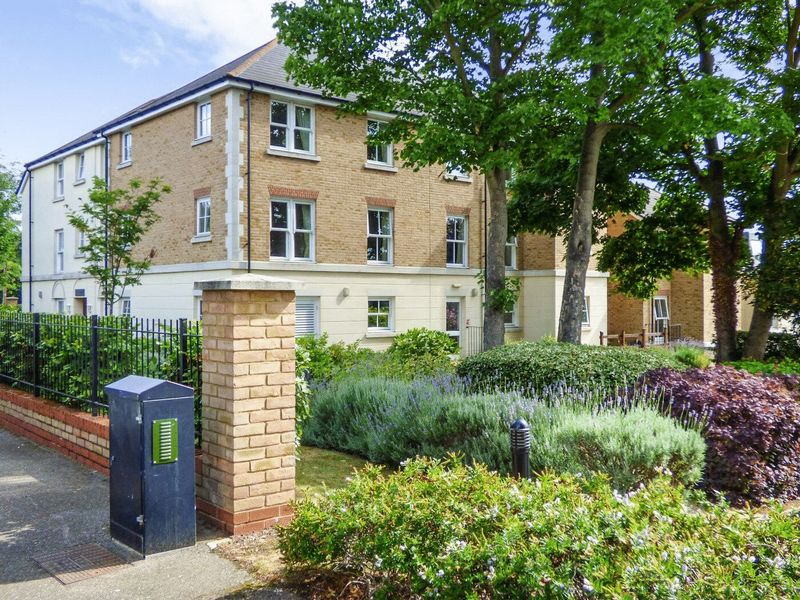 1 Bedroom Property for sale in Nelson Court, Gravesend, DA12 1PL
