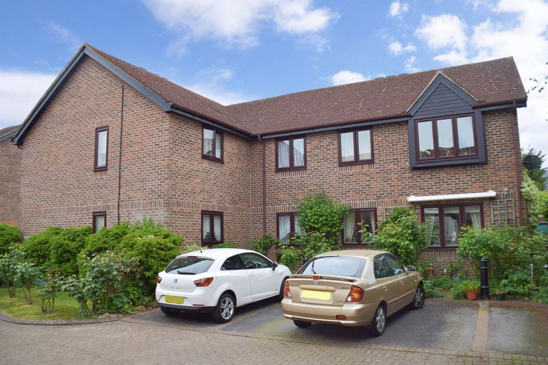 1 Bedroom Property for sale in Onslow Mews, Chertsey, KT16 9HQ