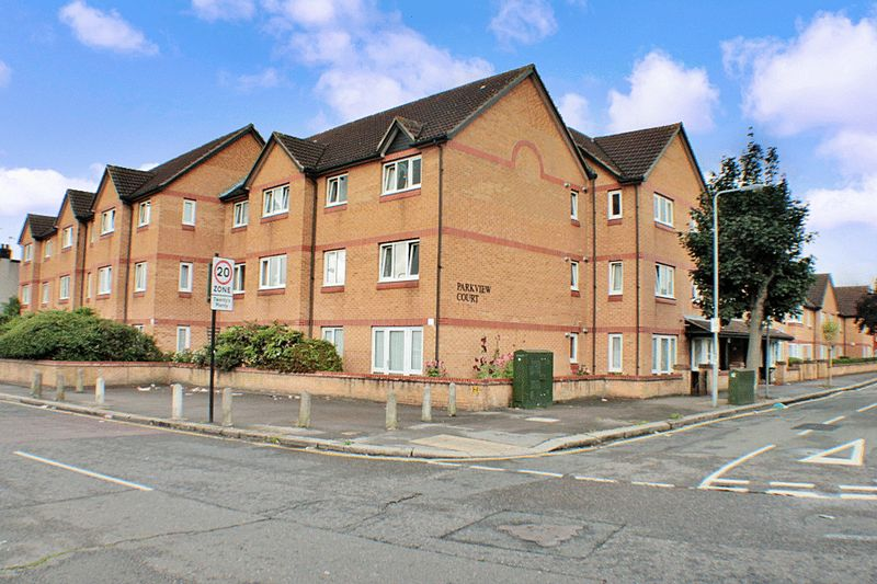 1 Bedroom Property for sale in Parkview Court (Ilford), Ilford, IG2 7EQ