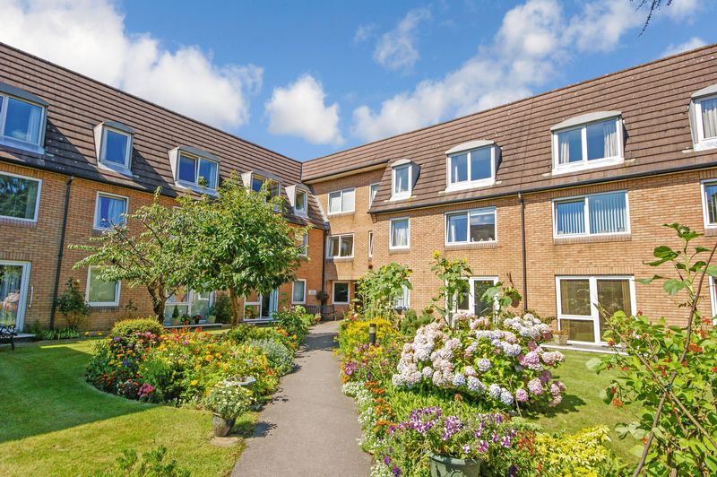 1 Bedroom Property for sale in Homepoint House, Southampton, SO18 6TX
