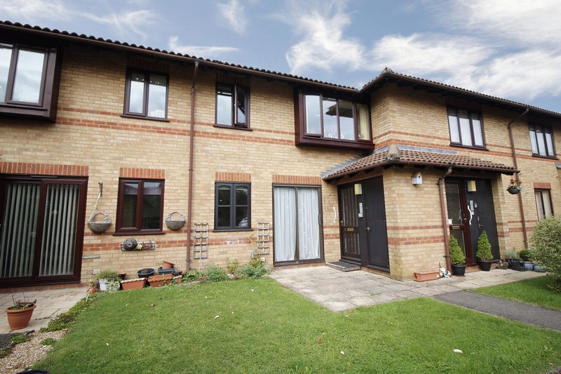 1 Bedroom Property for sale in Kendal Gardens, Basingstoke, RG22 5HD