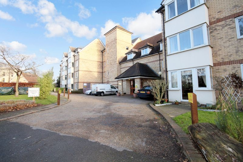 2 Bedrooms Property for sale in Foster Court, Witham, CM8 2TQ