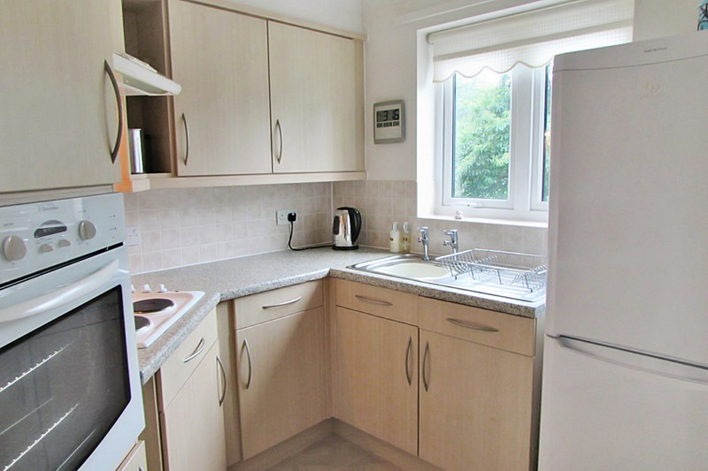 1 Bedroom Property for sale in Stanley Court, Torquay, TQ1 3JJ