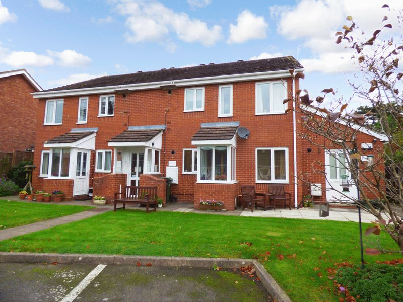 2 Bedrooms Property for sale in Rushers Close, Pershore, WR10 1HF