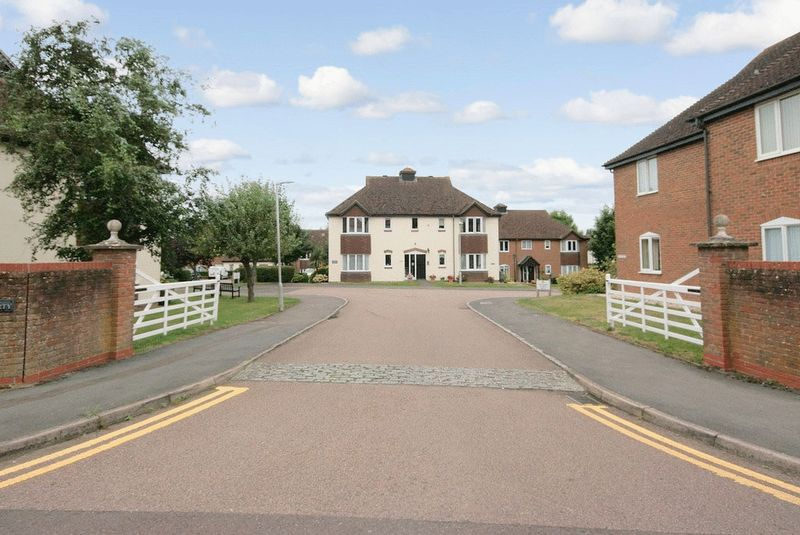 1 Bedroom Property for sale in Ferndale Court, Thatcham, RG19 4PW