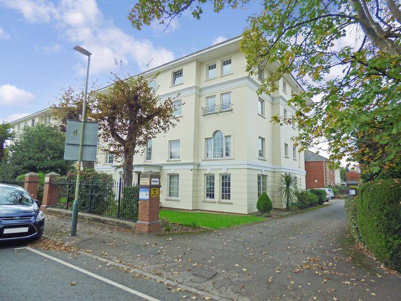 1 Bedroom Property for sale in Pegasus Court (Cheltenham), Cheltenham, GL51 3GB