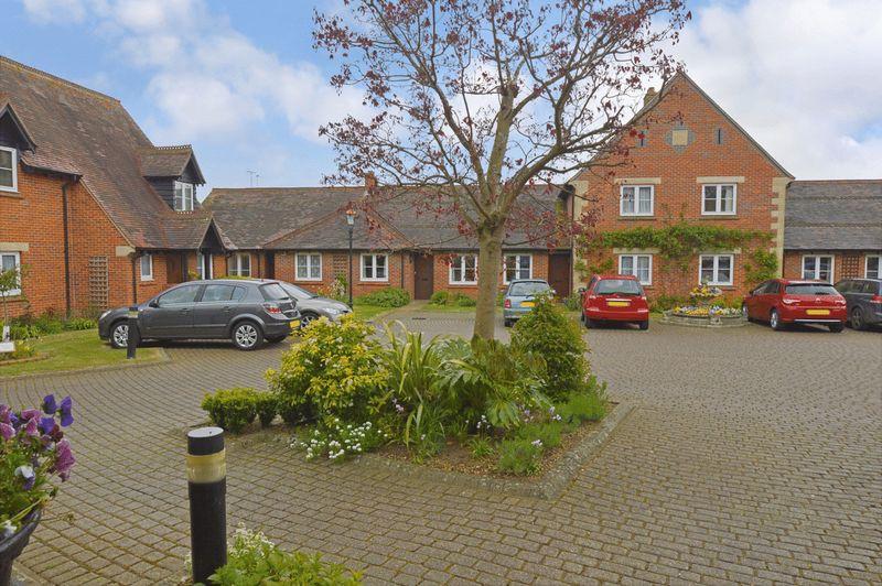 2 Bedrooms Property for sale in Pegasus Court & Manor (Olney), Olney, MK46 4AU