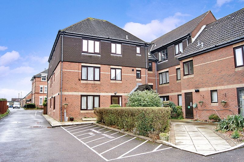 1 Bedroom Property for sale in Barton Lodge, Poole, BH12 3DB