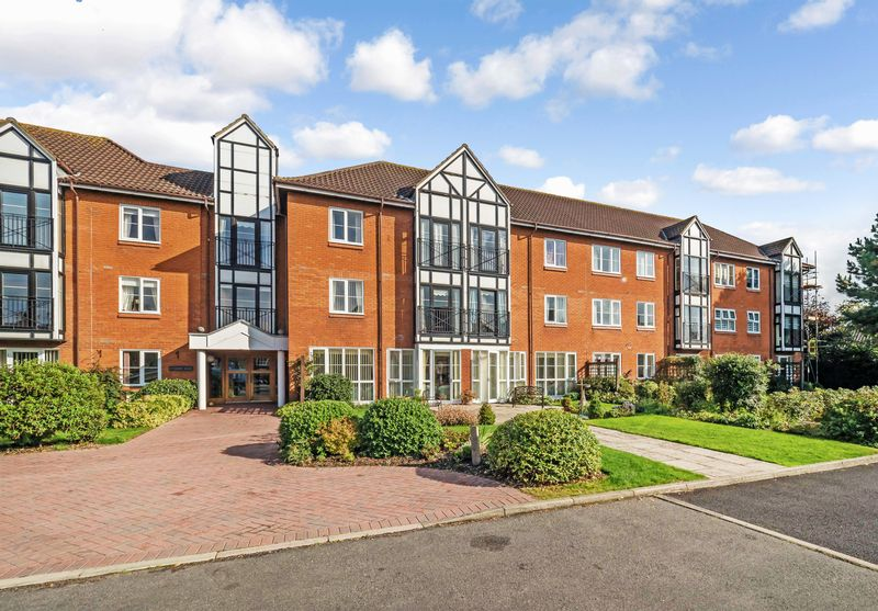 1 Bedroom Property for sale in Ashdown Court, Cromer, NR27 0AE
