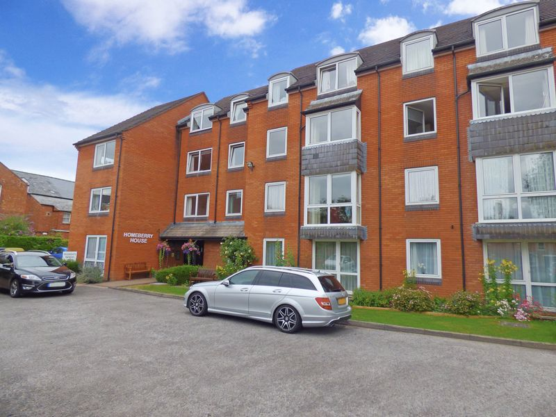 1 Bedroom Property for sale in Homeberry House, Cirencester, GL7 1RU